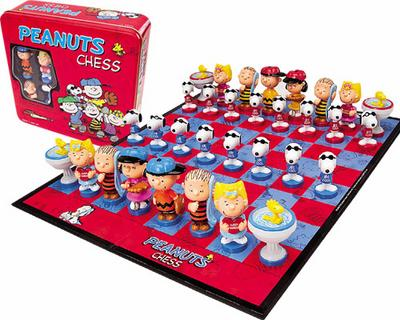 Peanuts Chess Set