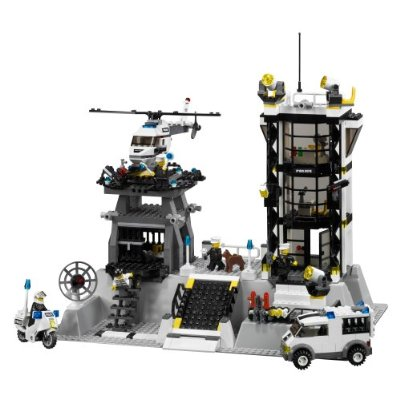 Play free Lego City Police Station Online games. Chase bank robbers ...